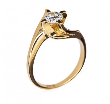 Catherine кольцо из желтого золота с бриллиантом