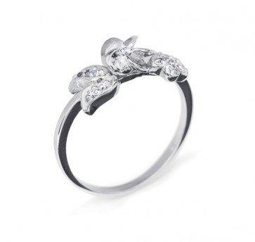 Libra нежное кольцо из белого золота с бриллиантами