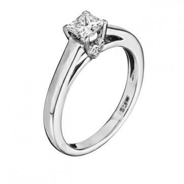 Кольцо с бриллиантами R1185