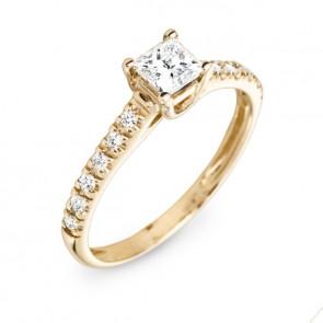 Centaurus кольцо с овальным бриллиантом
