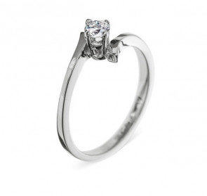 Charlotte нежное кольцо с бриллиантом для помолвки